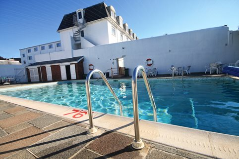 Channel islands jersey med sark og guernsey - Hotels with swimming pools in norfolk ...
